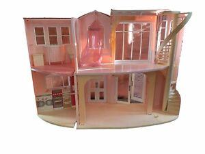 Mattel Barbie Dream House 2006 Barbies Barbie's J0505-2109 Doll Dollhouse
