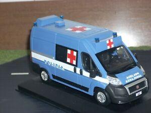 POLIZIA POLICE Fiat Ducato X250 ambulanza servizio sanitario scala 1/43
