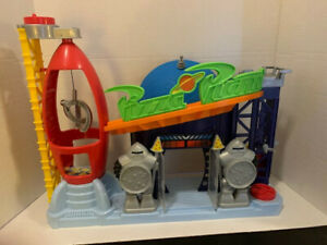 Fisher Price Imaginext Disney Toy Story Pizza Planet Playset