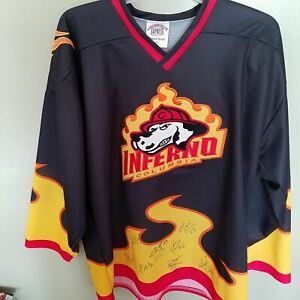 COLUMBIA INFERNO  AUTOGRAPHED  HOCKEY JERSEY JERSEY SIZE XL  ADULT