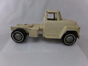 Ertl International Harvester Loadstar Tractor - CAB ONLY - 60's  Vintage