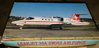 HASEGAWA 06266 LEARJET 35 A SWISS AIR FORCE & REVELL LEARJET 35 A Scale 1/48