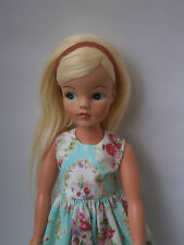 Sindy doll clothes. Original red Trendy rubber hairband. tlc Pedigree NO DOLL