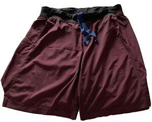 mens lululemon shorts xxl Camo Red