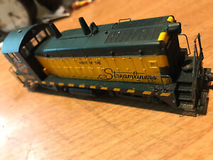LIFE LIKE HO SCALE Stream Liners CHICAGO & NORTH WESTERN DIESEL ENGINE #1122