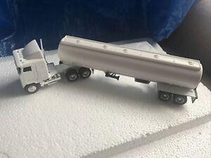 MACK ULTRA LINER SLEEPER CAB TANKER TRUCK 1/64 DIE CAST WHITE