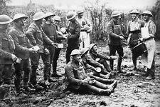 WW1 - Pause repas pour les artilleurs anglais à Béthune