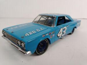 Richard Petty 1967 #43 Plymouth GTX Belvedere Franklin Mint 1/24th