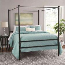 Кровать с полохом