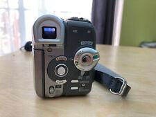 Canon Elura 100 MiniDV Digital Video Camera Camcorder With Power adapter
