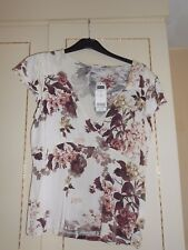 Gorgeous Designer Floral Low V-Neck Blouse from NEXT Size 18 BNWT RRP £25.00