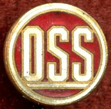 Grouping to WWII OSS Officer Thomas M. Davies: Lapel Pin, Dog Tag, Photos