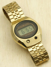Citizen Crystron LC 60-7061 Japan Gold Tone Digital Watch 35X40mm