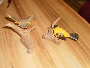 2 vintage Eugene Qumby  ? Quimby  wood carvings Folk art Birds