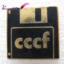 Pin's pins Badge Une Disquette de PC CCCF Sofrec paris #A4