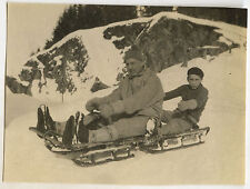 PHOTO ANCIENNE - VINTAGE SNAPSHOT - MONTAGNE LUGE 1930 DRÔLE-MOUNTAIN SLED FUNNY