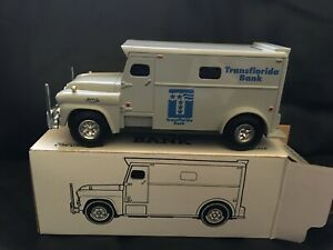 Ertl 1:32 Die Cast Armored Bank Truck (1959) NEW in box