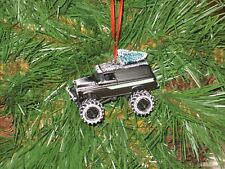 Jada 1957 Chevy Suburban Black Custom Christmas Ornament w/tree,snow R