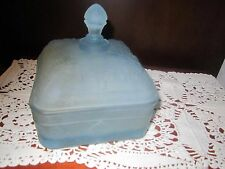 TIARA INDIANA GLASS HONEY BOX BEE FROSTED BLUE ETCHED CANDY BOX W/LID