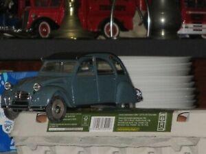 Lot miniatures 1/18 Solido 2 CV et Juvaquatre