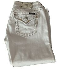 Miss Me White Signature Cuffed Capri Size 29 x 21