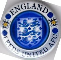 LEEDS UNITED  ENGLAND PIN BADGE - ST GEORGE 3 LIONS MARCHING ON TOGETHER WAFLL