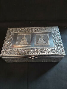 HANDMADE SILVER METAL JEWELLERY BOX WITH A DOUBLE BUDDHA SITTING DESIGN