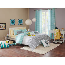 Beautiful Modern Light Grey Blue Teal Aqua Chevron Stripe Soft Comforter Set New