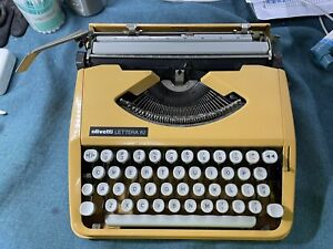 Olivetti Lettera 82 Portable Typewriter