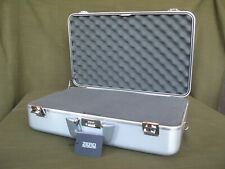 ZERO HALLIBURTON Aluminum Camera / Photography #105 Case with New Factory Foam
