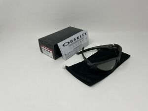 NEW Oakley Valve OO9236-06 Matte Grey Smoke Frame w/ Black Iridium Polarized
