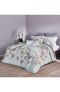 Ted Baker Flight of the Orient, Mint Comforter and champ set full/queen 290$