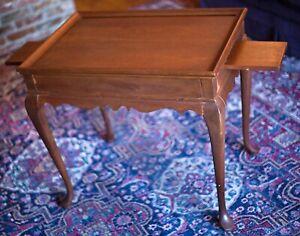 Vintage Elegant Bartley Collection Mahogany Queen Anne Tea Table cabriole legs