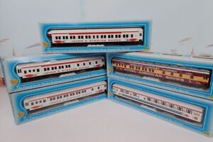 Set Of 5 IHC HO Scale James Strates Shows Circus Heavyweight Passenger Cars W/B
