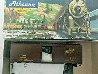 HO Scale  Athearn Bev Bel 40' Boxcar  Chicago  Northwestern  CNW  106815