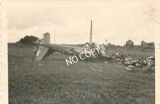 Foto PK WK 2 abgestürztes Militär Flugzeug Feld Polen B 1.80