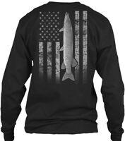 Real Muskie Fishing Flag - I/o Gildan Long Sleeve Tee T-Shirt