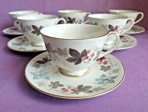 Vintage Royal Doulton Fine Bone China 'Camelot' Tea Cups & Saucers x 6