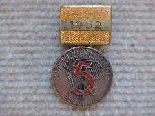 Für ausgezeichnete Leistungen - 1952