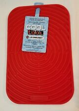 Le Creuset Cool Tool Surface Protector Pot Holder Anti Skid CERISE Red Rectangle