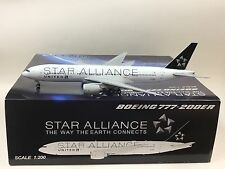 JC Wings 1:200 United Airlines Boeing B777-200 Star Alliance N77022