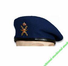 BOINA M-85 AZUL HELICOPT CON EMBLEMA.  Boina M-85 azul FAMET Talla: 59 30483