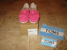 WOMENS SIZE 8.5 FUSCHIA DIP DYED CROCHET SHOES BY TOMS **NIB** 100% AUTHENTIC!!