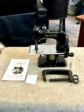 Cute Rare Antique Vintage Singer 20 Sewhandy Toy Small Child Sewing Machine See
