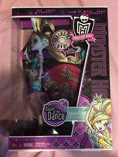 Monster High Dawn Of The Dance Lagoona Blue With Exclusive DVD