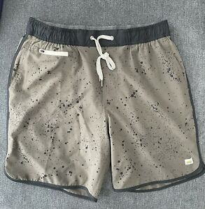 Vuori Banks shorts. Olive. size medium