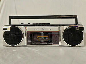 Retro GE Model 3-5623B Boombox Stereo Cassette Recorder Player AM/FM Radio 1980s