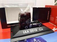 MAN TGX XXL  X Lion  IAA 2018  Lowliner Solozugmaschine  MAN PC Vitrine 9333681