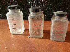 Ancien pot à épices, déco d'ancienne cuisine: thé, épices , sel