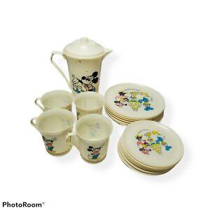 Vintage 1970s 17 Pc Walt Disney Mickey Mouse Club Plastic Child's Tea Set